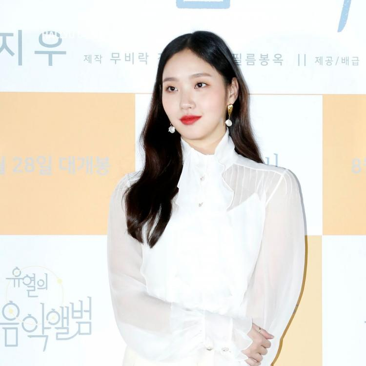 Actor Kim Go Eun is posing at the press premiere of the movie 'Yooyeol's Music Album