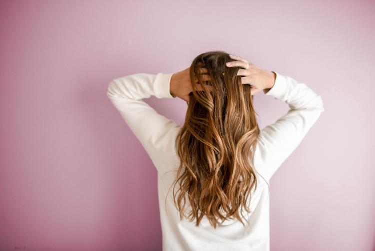 Tired of dandruff & itchy scalps? Here's what's causing it & how to deal with it