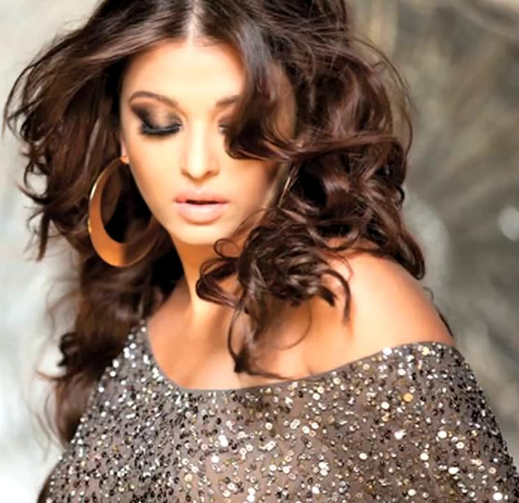 Beautiful Indian Bollywood Actress All Time: More Of Aishwarya Rai Bachchan's Sizzling Photoshoot With