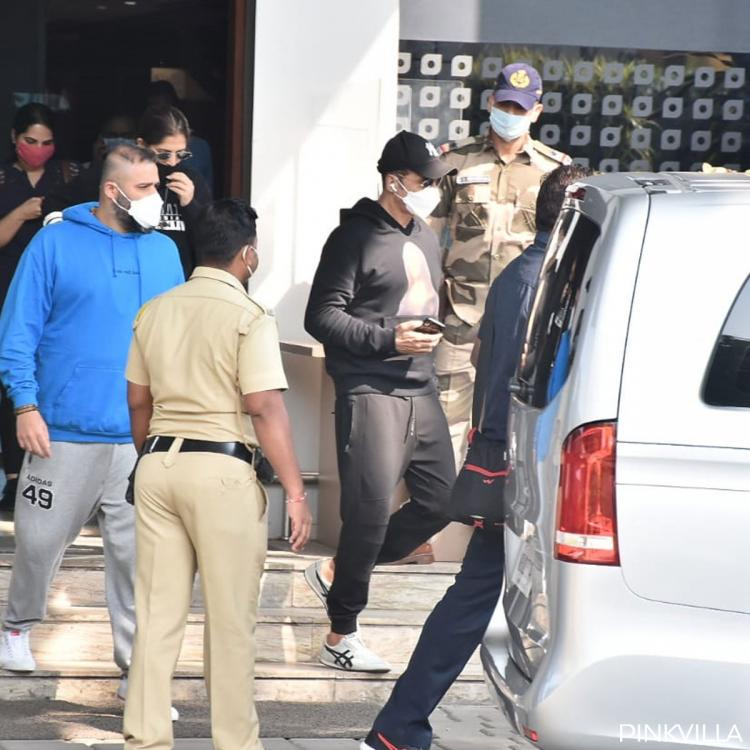 PHOTOS: Akshay Kumar returns to Mumbai in a private plane as he gears up of Laxmii premiere