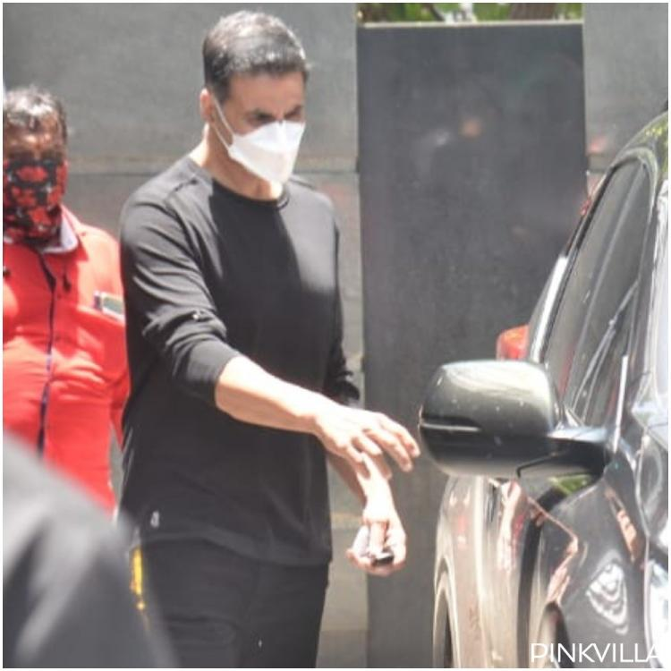 Akshay Kumar takes proper precautions and wears a mask as he heads out of Jackky Bhagnani's office; See PHOTOS