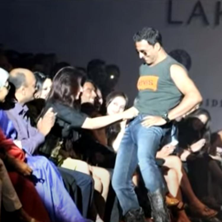 When Twinkle Khanna invited trouble after unbuttoning Akshay Kumar's jeans at an event