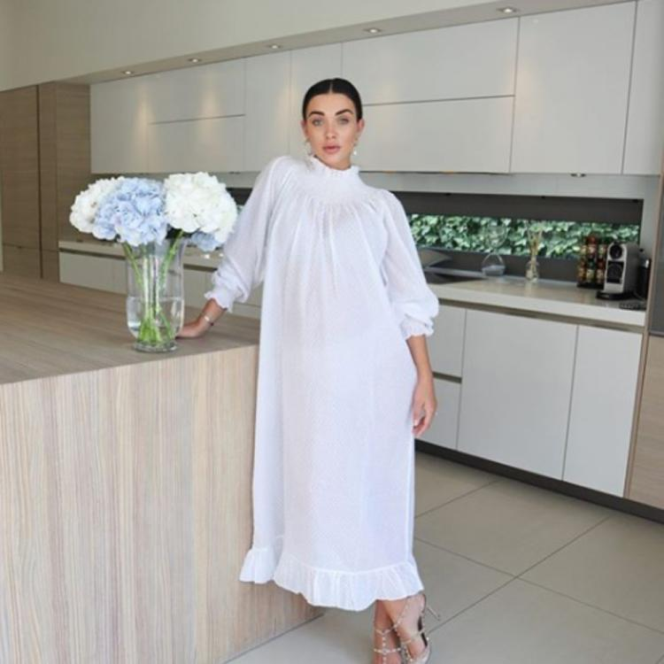 Mommy to be Amy Jackson looks radiant in an all white outfit; View PICS