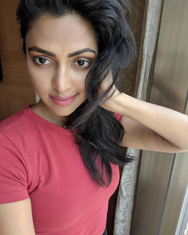 Amala Paul REVEALS being thrown out of Vijay Sethupathi's film; releases an explosive statement