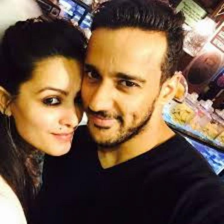 Anita Hassanandani and hubby Rohit Reddy's dinner date is all about 'Wine and Dine'; See Pics