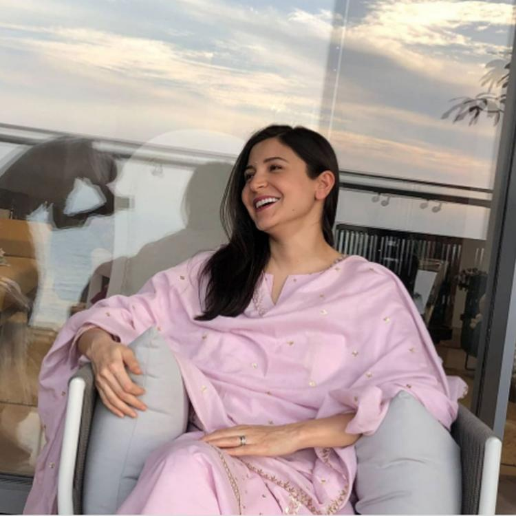 Anushka Sharma flaunts pregnancy glow in a desi OOTD as her daddy clicks a perfect candid shot; See Post