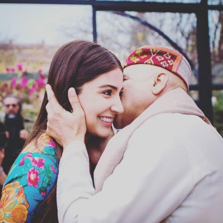 Anushka Sharma wishes her dad Happy Father's Day; Recalls conversations from her college days