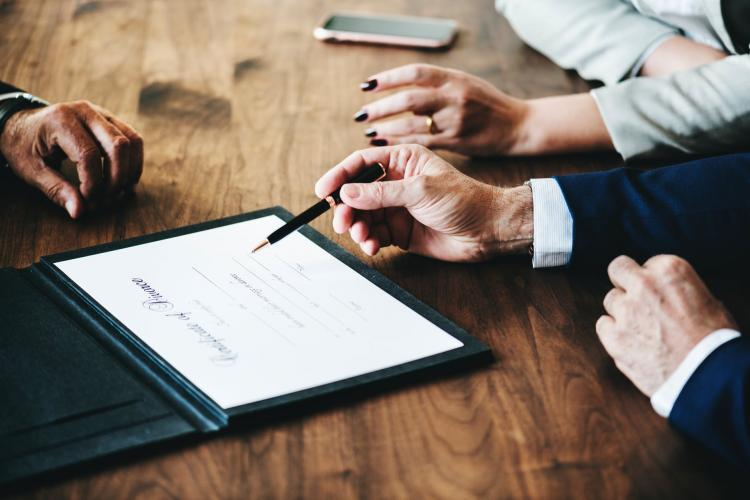 Prenuptial Agreement Pros And Cons: Are you thinking about a prenup? Here are the pros and cons of it