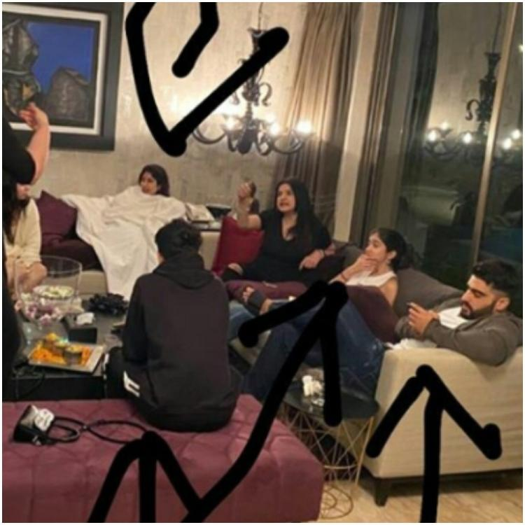 Arjun Kapoor shares a glimpse of a perfect family evening with Janhvi Kapoor, Anshula, Shanaya & we can relate