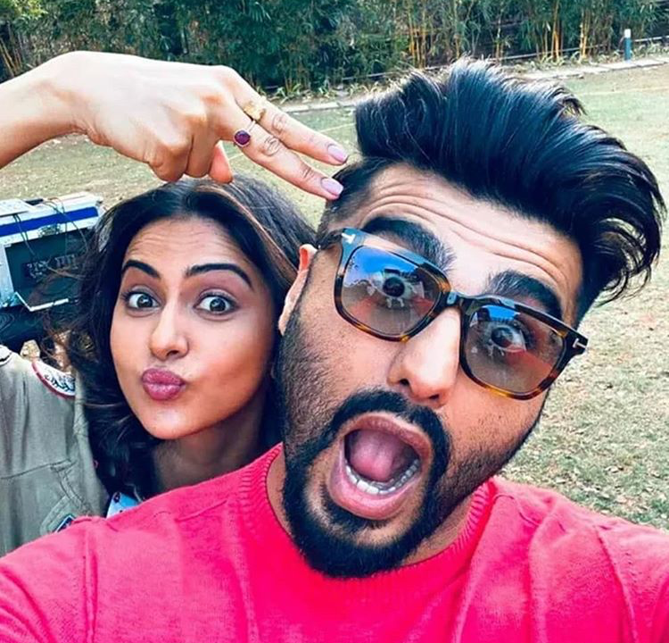 Arjun Kapoor and Rakul Preet Singh will be seen sharing screen space in an untitled cross-border love story and their selfie will make you impatient for the film