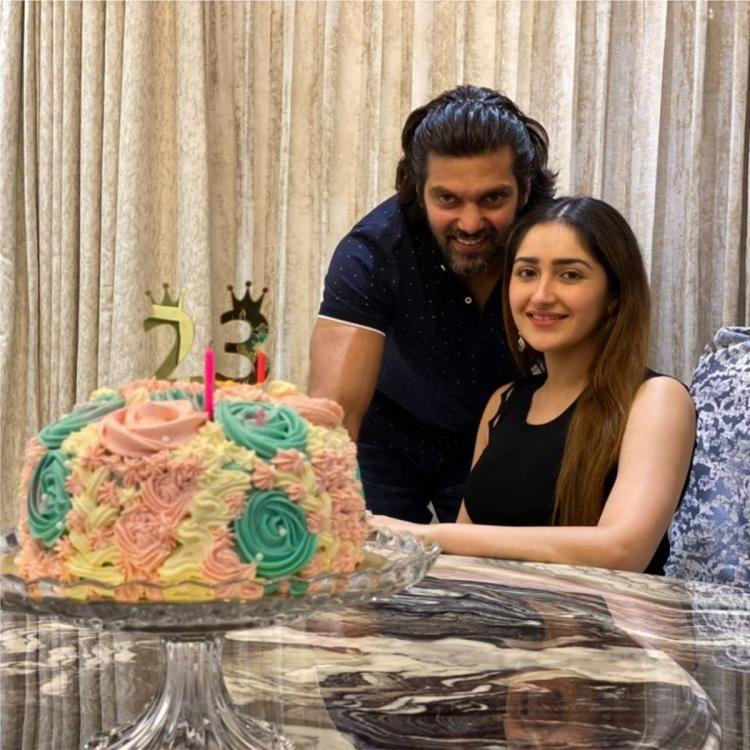 Arya's wife Sayyeshaa thanks everyone for wishes; Shares her birthday celebration photos with family