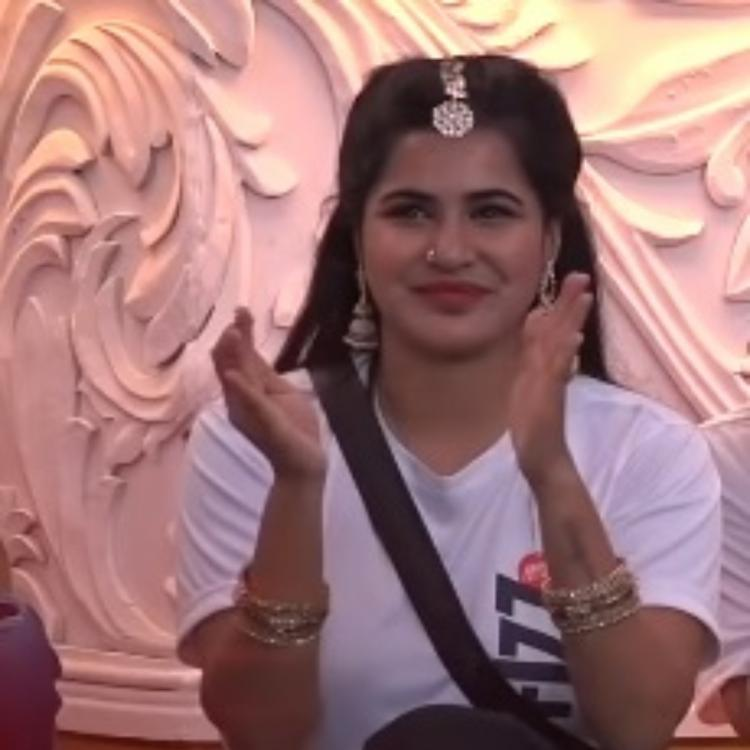 Bigg Boss Telugu 3: Ashu Reddy apologizes to parents before her stunning dance performance on the show