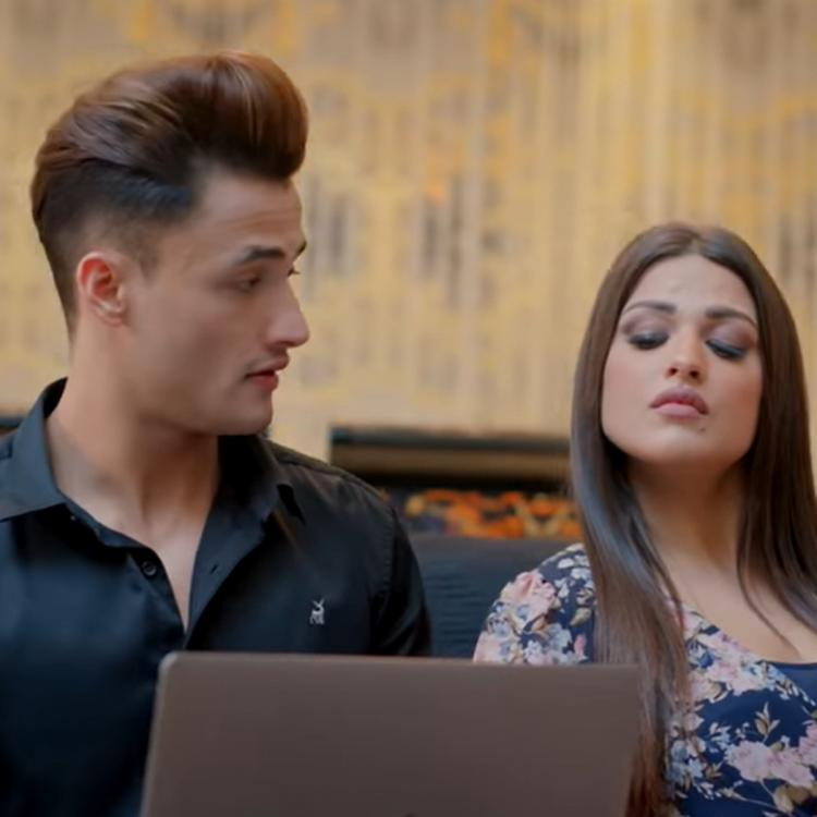Asim Riaz & Himanshi Khurana's song with Neha Kakkar 'Kalla Sohna Nai' is OUT; Their chemistry is spellbinding