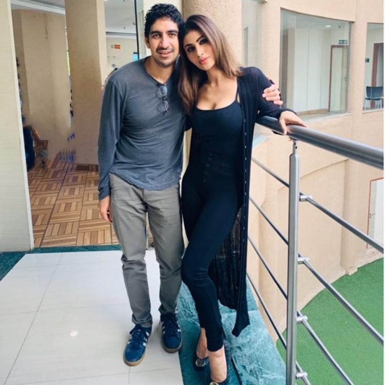 Brahmastra duo Ayan Mukherji and Mouni Roy pose for a picture together; Check it out