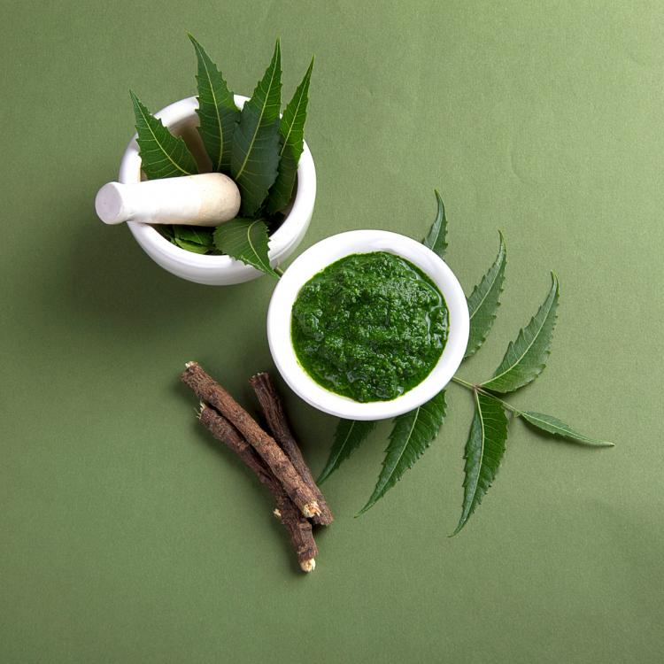 Skincare: TOP 3 Ayurvedic ingredients that will help to treat your pesky acne