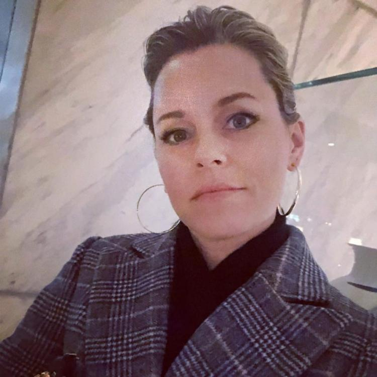 Elizabeth Banks says her version of Charlies Angels will inspire young women