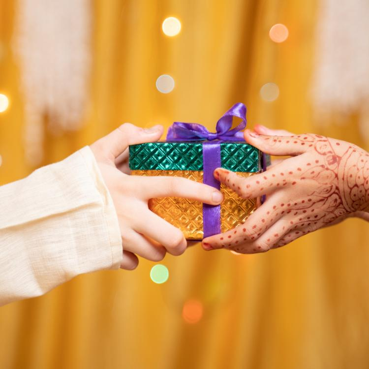 Bhai Dooj 2020: 5 Last minute Gifts that you can give your sibling