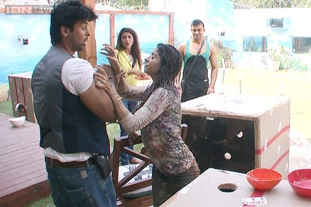 Discussion,salman khan,Tanisha Mukherjee,gauhar khan,Kushal Tandon,Bigg Boss 7