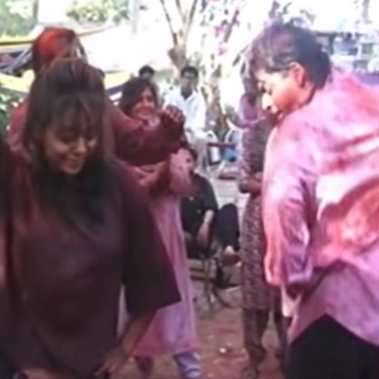 Blast From The Past: Shah Rukh Khan and Gauri Khan's cute dance video from a Holi party is unmissable