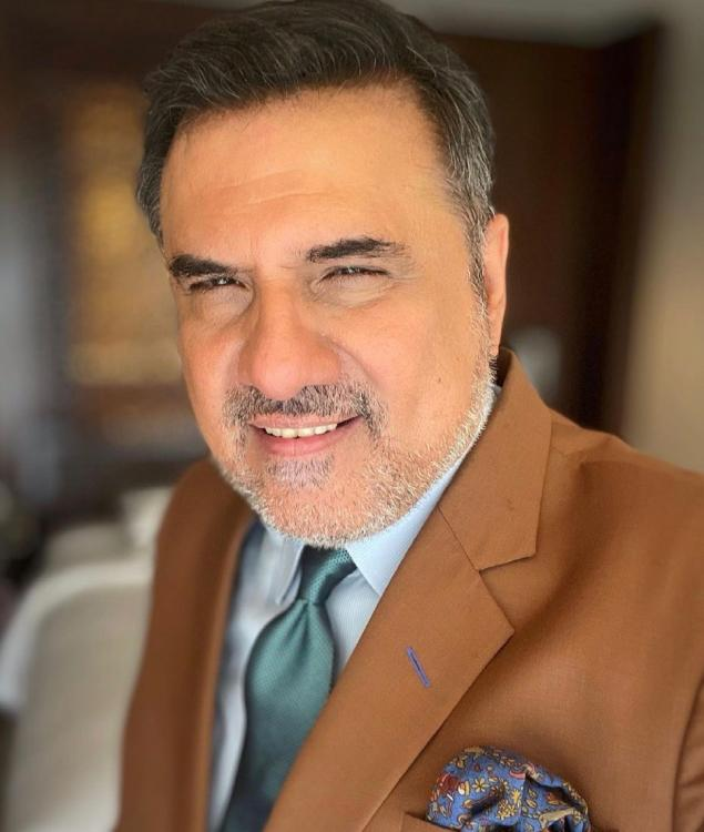 Boman Irani unveils he doesn't believe that phone screen can be a substitute for a theatre screen