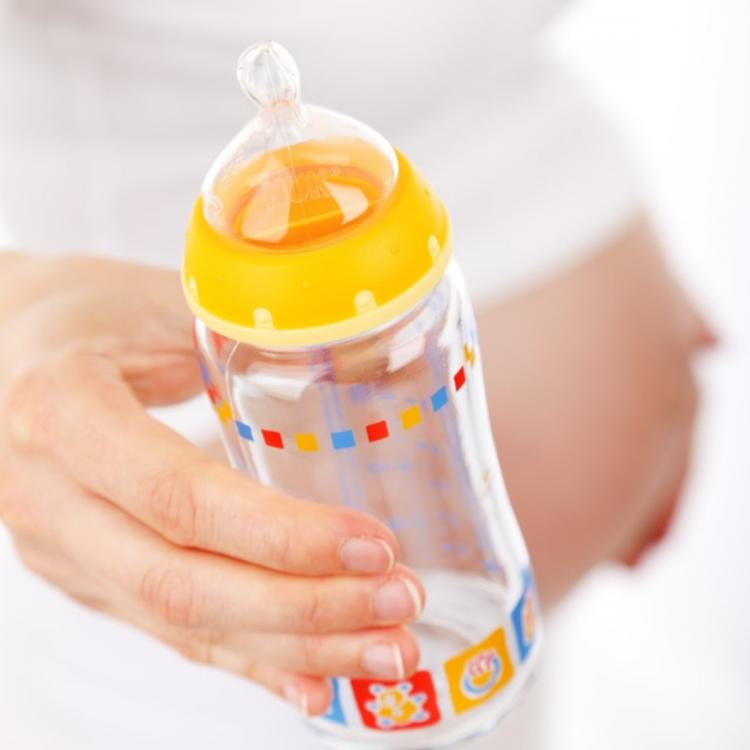 EXCLUSIVE: Breastfeeding Vs Bottle Feeding: ALL you need to know about what your baby needs by medical expert