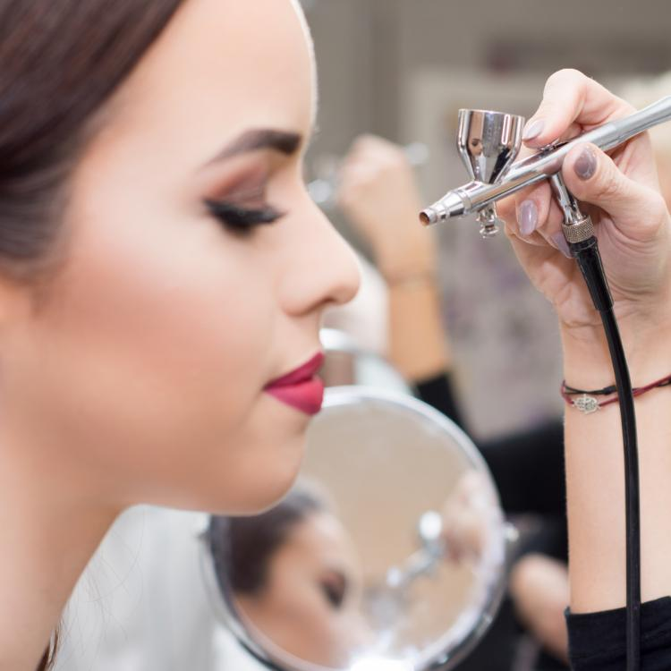 Bridal Makeup Tips: 5 things to consider before you book your makeup artist