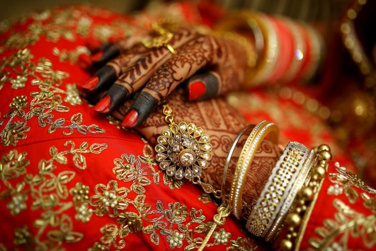 Wedding Shopping: Avoid making THESE bridal trousseau mistakes