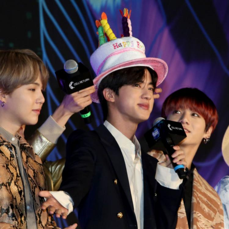 Bts Member Jin Steals The Show With His Birthday Hat At Mama 2019 While Jungkook Struggles With 2 Mics Pinkvilla