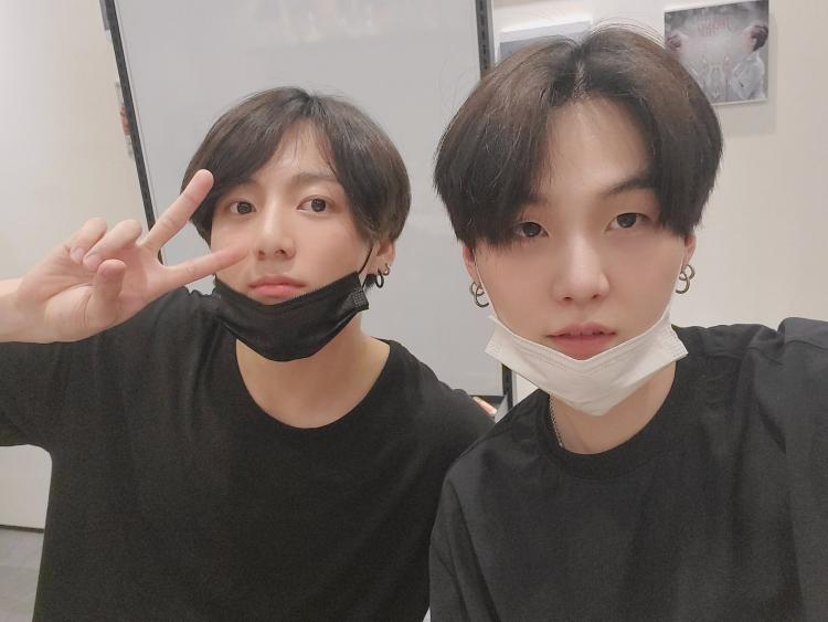 BTS member Jungkook was under crossfire recently for hanging out in Itaewon with other '97 line members during the social distancing period due to COVID-19.