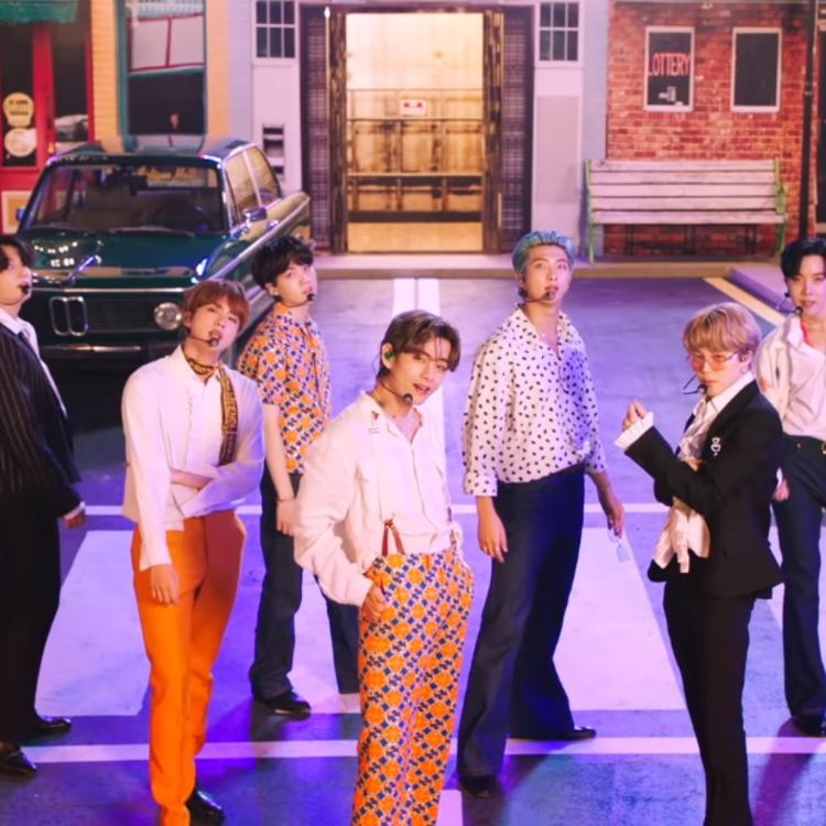 BTS performed Dynamite at 2020 iHeartRadio Music Festival Day 1