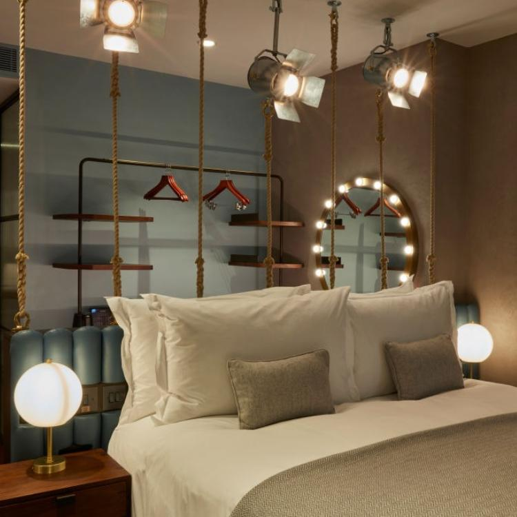 Check out THESE latest night lamp design ideas for bedroom décor