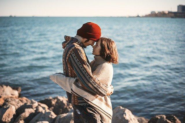 THESE are the things that can help you stay independent in a relationship