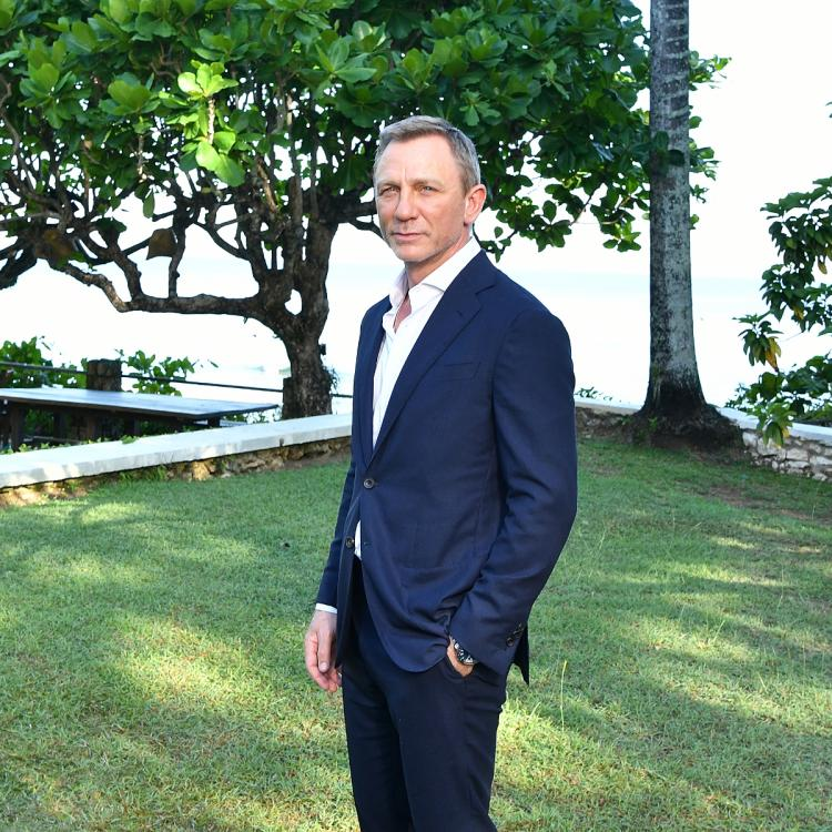 Thursday Theories: Daniel Craig's James Bond fights a virus outbreak like Coronavirus in No Time To Die?