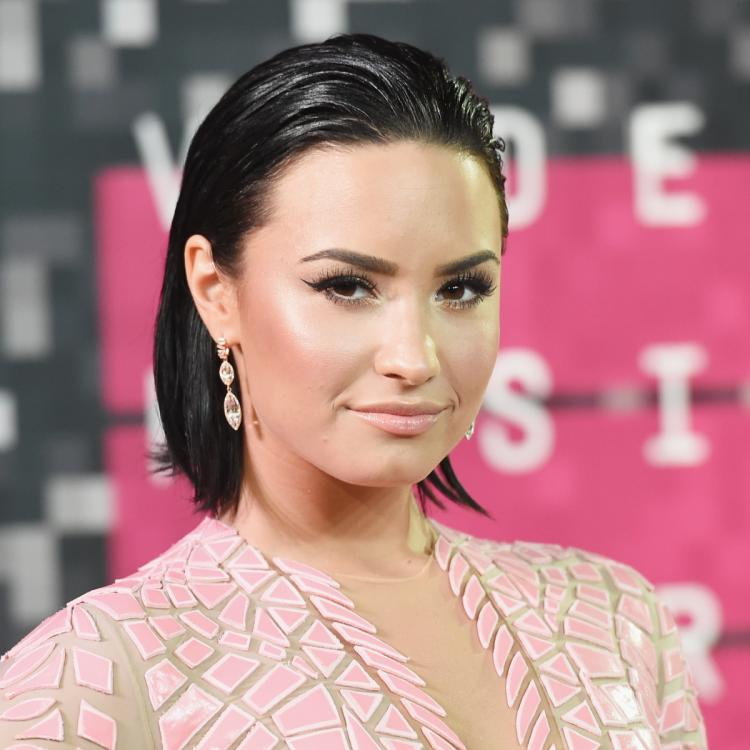 Demi Lovato REVEALS she had an anxiety attack