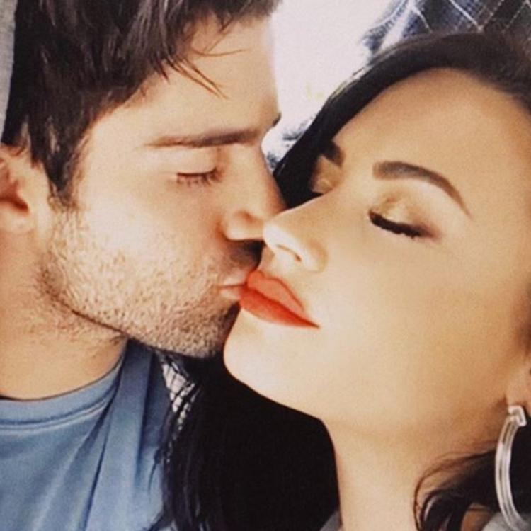 Demi Lovato 'fully cut' Max Ehrich after the split