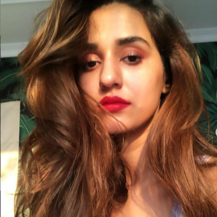 Photos Disha Patani Churns Out Major Lipstick Goals As She Sports A Bright Red Lip Colour Check It Out Pinkvilla