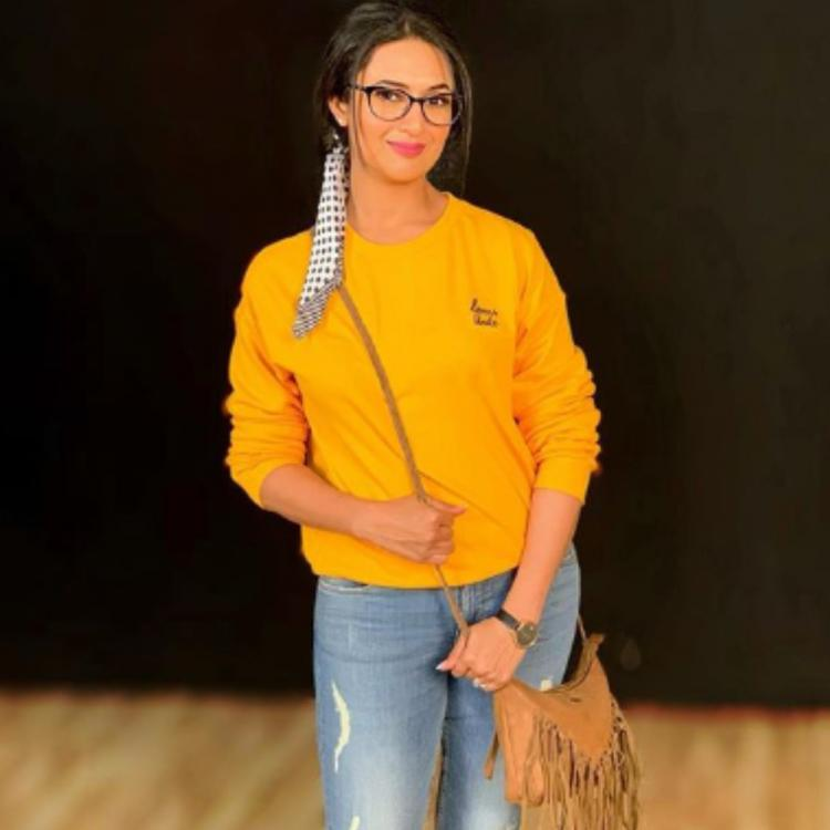 Divyanka Tripathi Dahiya wins the internet with her beaming smile as she sports a nerdy look in this PHOTO