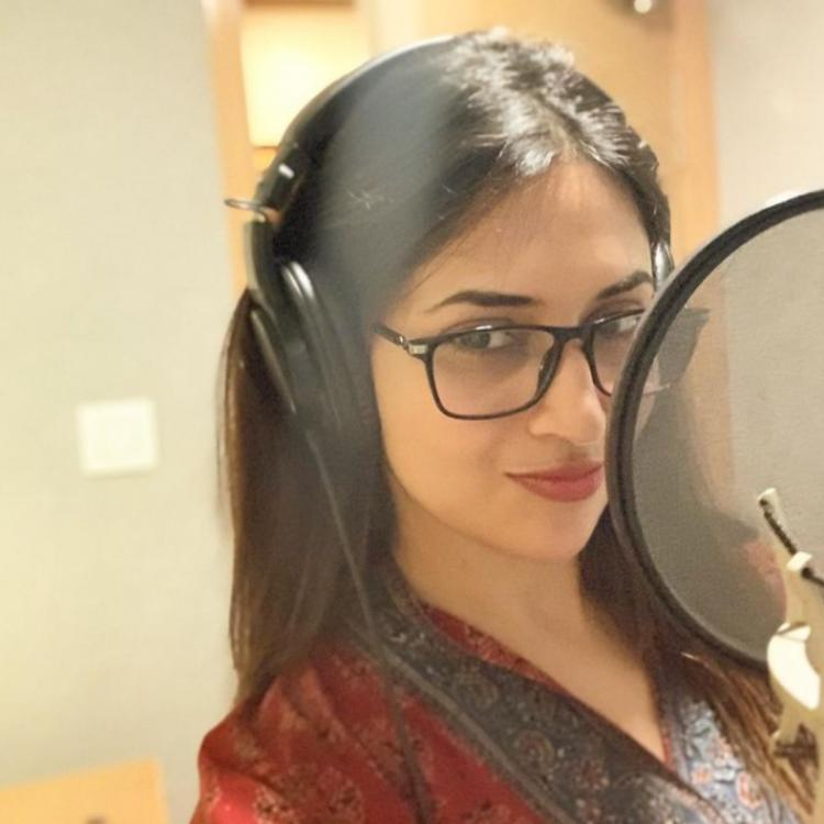 Divyanka Tripathi reveals she loves playing with her voice while sharing a new PHOTO