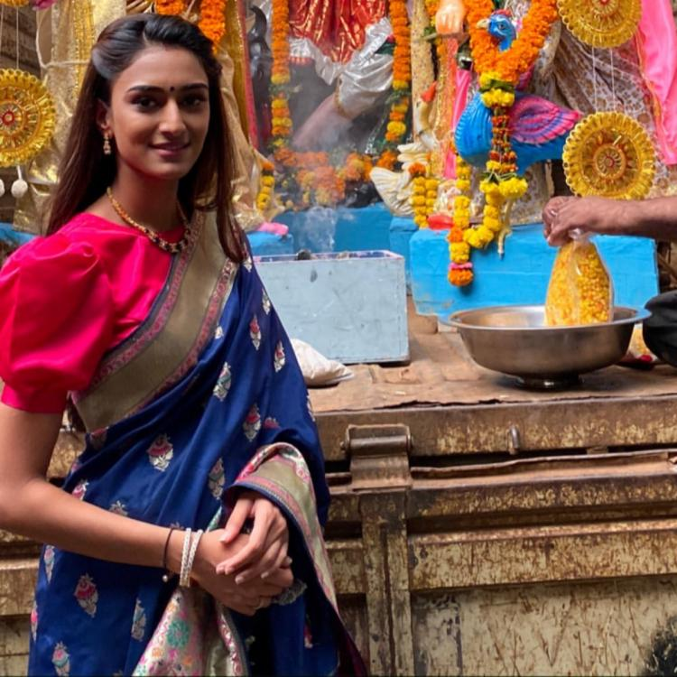 Erica Fernandes looks ethereal in a saree for Goddess Durga's ...