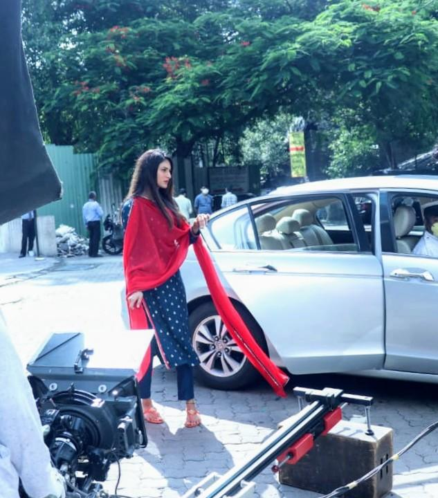 Erica Fernandes is back to being Prerna with red dupatta flying; first pics from Kasautii Zindagii Kay sets