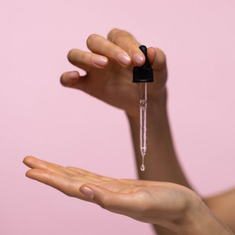 EXCLUSIVE: Face Oil vs Face Serums: Know the correct usage of both the holy grails of skincare