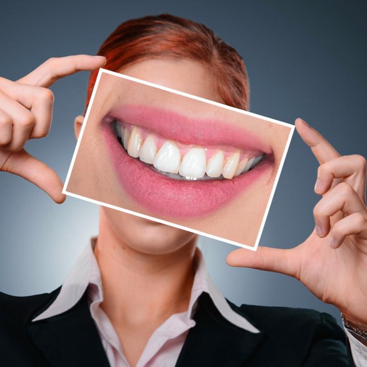 5 Food items you should have in your diet for stronger teeth and gums
