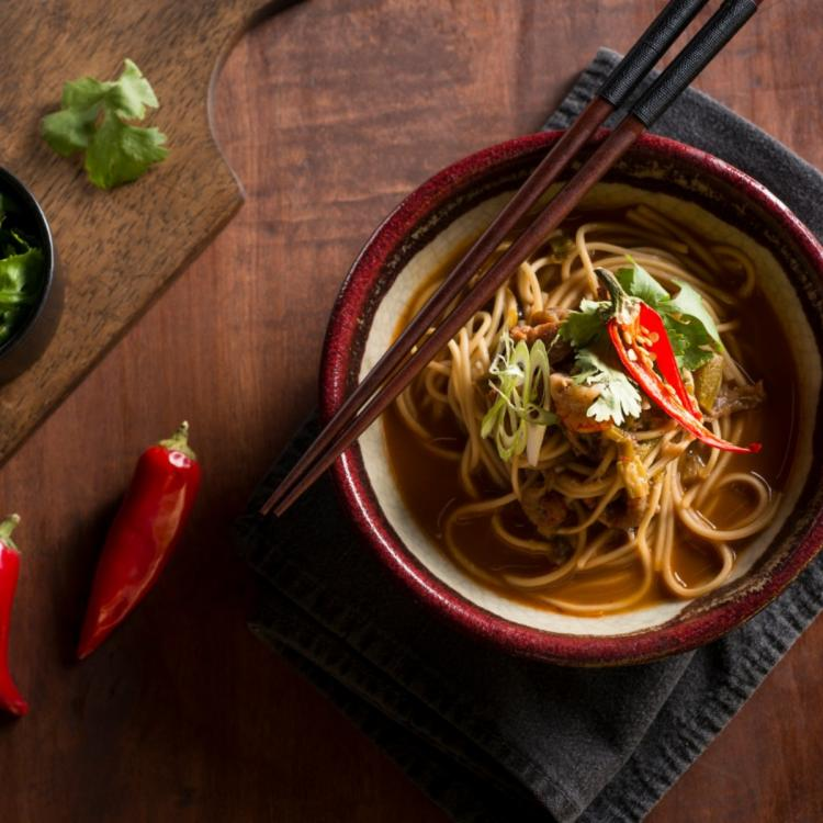 Food & Travel,Noodle Recipes,Recipes to try,Chilli garlic noodles