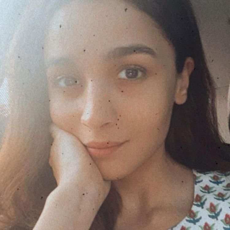 Alia Bhatt shares a motivational post about chasing dreams as she heads for Gangubai Kathiawadi shoot; See Pic