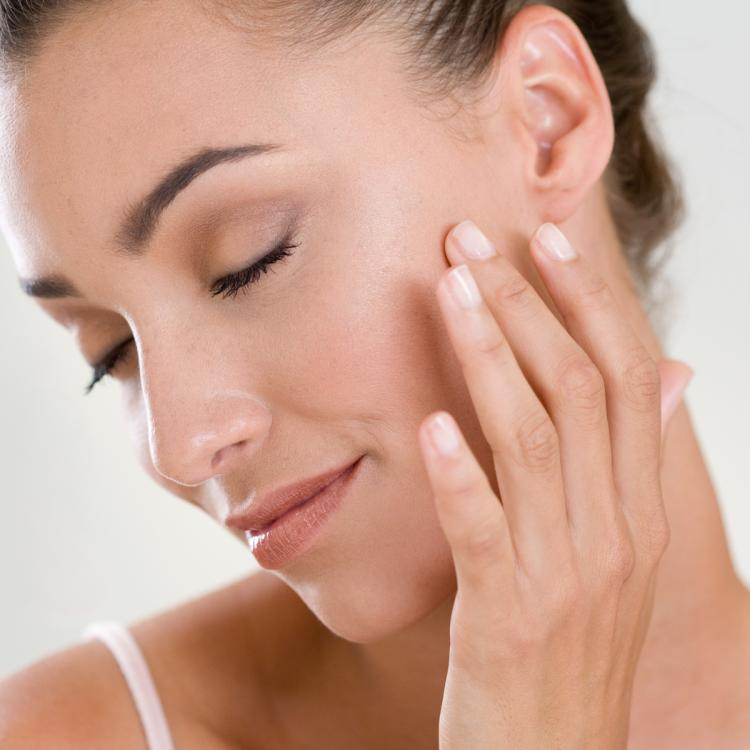 Skin feeling dull and dry? Here's how to restore the skin's health after constant use of makeup
