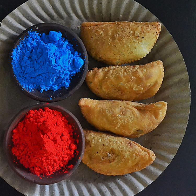 Holi 2021: 5 step recipe to make delicious Gujiya at home