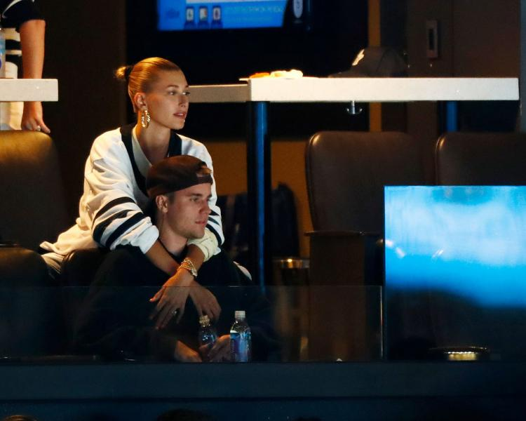 Hailey Baldwin teases Beliebers by sharing a photo of Justin Bieber at a recording studio