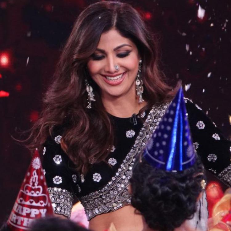 PICS: Super Dancer Chapter 4: Shilpa Shetty surprised with the birthday  celebration; Cuts a cake with the team | PINKVILLA