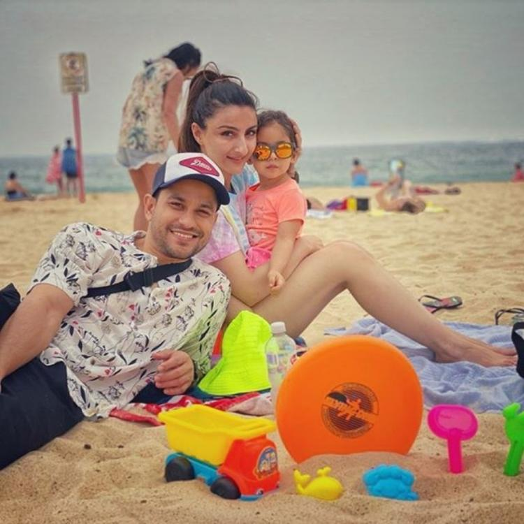 Happy New Year: Inaaya Naumi Kemmu has her beach mode on as she welcomes 2020 with Soha Ali Khan & Kunal Kemmu