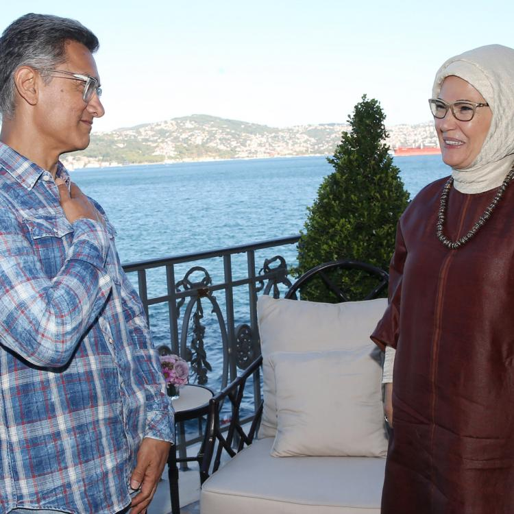 Here's why Twitterati are unhappy with Aamir Khan for meeting Turkey's First Lady Emine Erdogan in Istanbul